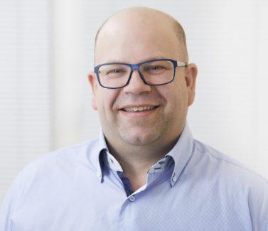 Gerhard Quasigroch, Implantologe Honorarzahnarzt bei Zahnzentrum an der Fluke