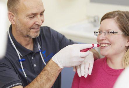 Schöne Zähne, Zahnästhetik - Ästhetische Zahnheilkunde bei Zahnarzt Bremen Nord - Zahnzentrum an der Fluke