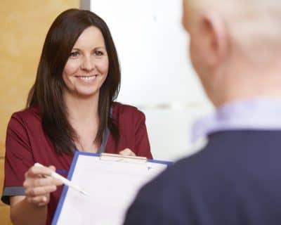 Unsere Patienten werden freundlich empfangen und eingehend beraten.