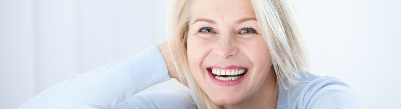 Von zahnlos zu voller Funktion und Ästhetik mit Sofortimplantaten